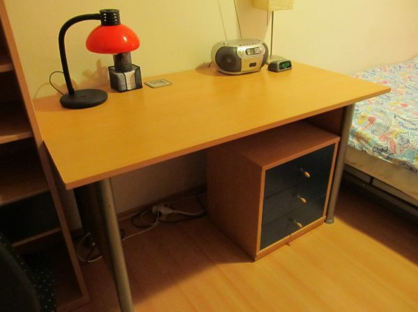 náhled Prodám studentský nábytek