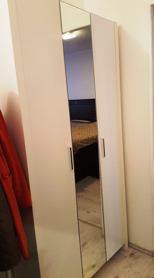 náhled Pěkná skřín do obyvaku anebo dětského pokoje