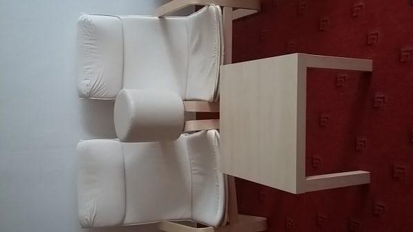 náhled Prodám 2 křesla, stolek a taburet