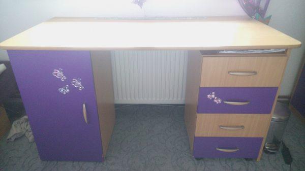 náhled Prodám dětský psací stůl