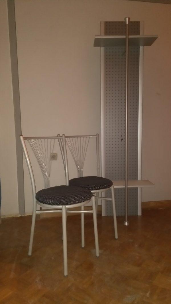 náhled Židle a věšák