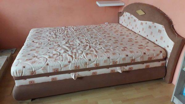 náhled Pěkná manželská postel