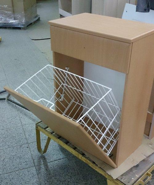 náhled Koupelnová skříňka s košem a zásuvkou