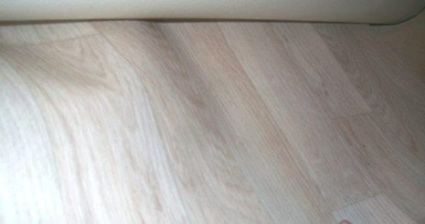 Linoleum bílé