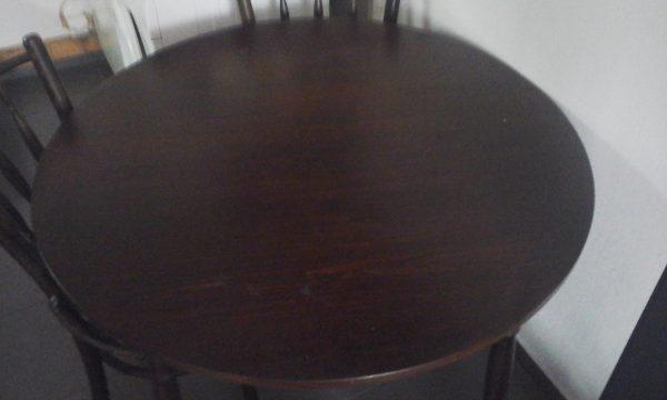 náhled jidelni stůl