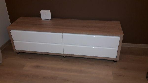 náhled Nový, nepoužívaný TV stolek