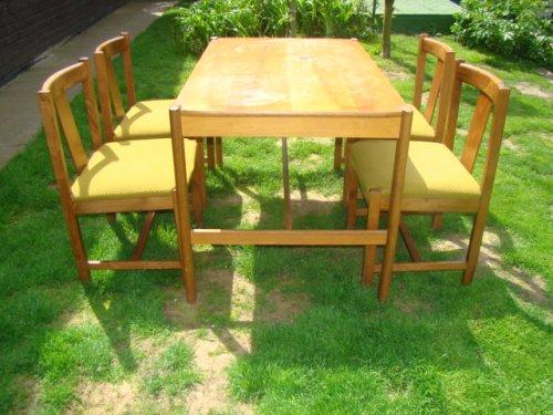 náhled Prodám zachovalý retro stůl a židle