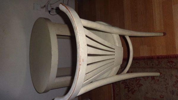 náhled Rustikální bílý stůl a 2 bílé  židle k tomu