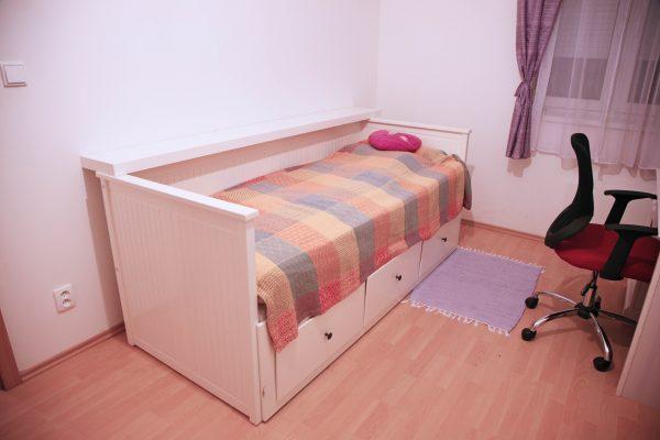 náhled Rozkládací postel s úložným prostorem z IKEA