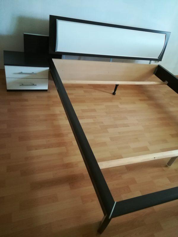 náhled Nábytek do ložnice kompletní série(manželská postel s nočními stolky a komodou)