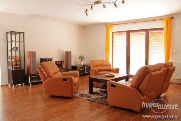 náhled Obývací stěna a další nábytek Red Apple