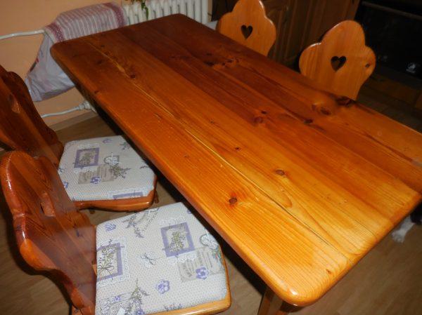 náhled stůl a židle