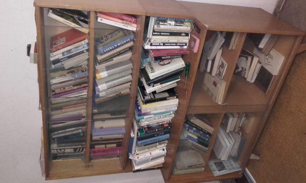 náhled prodám knihovnu arch.Jiroutek,70.léta