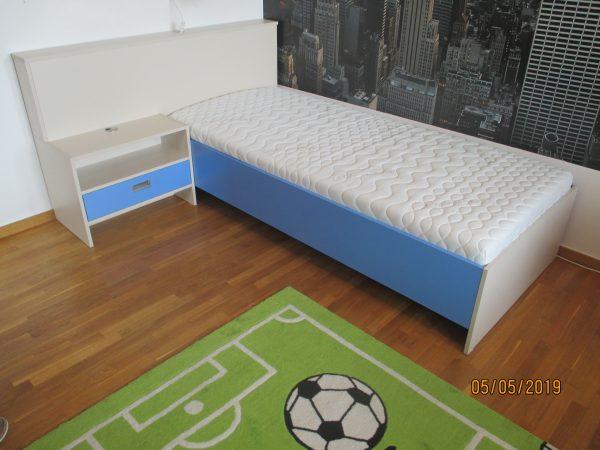 náhled Kvalitní jednolužková postel vyrobená na zákazku u truhlaře