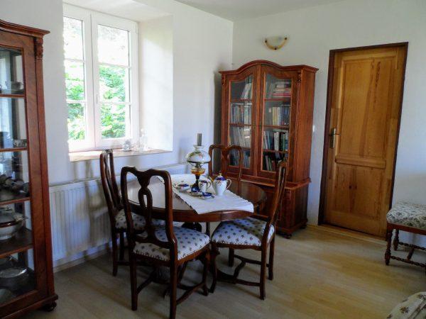 náhled Stůl a židle ve viktoriánském stylu