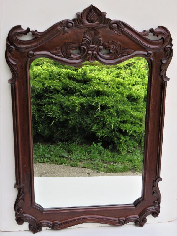 náhled Vyřezávaný rám s fazetovým zrcadlem.