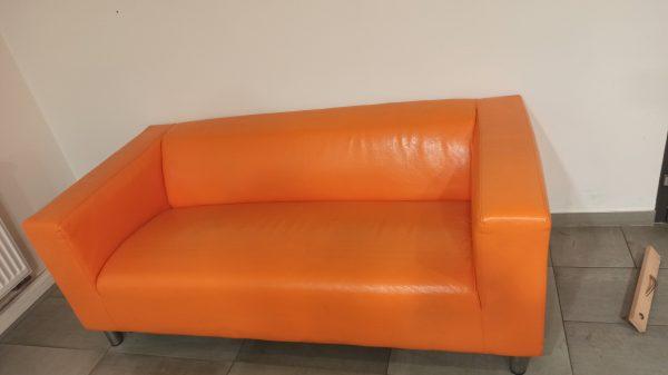 náhled Oranžová koženková pohovka Klippan firmy Ikea