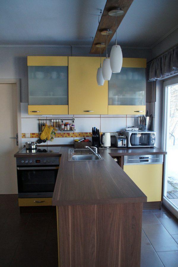 náhled Žlutá kuchyňská linka ve tvaru T