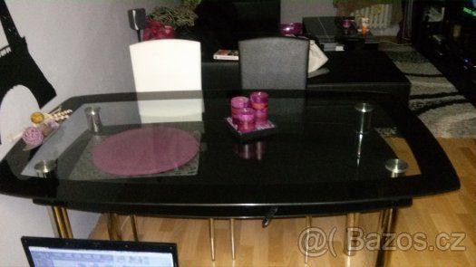 náhled Prodám jídelní stůl s židlemi