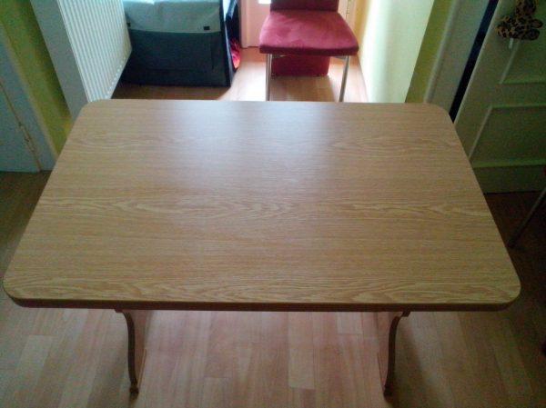 náhled Kuchyňský stůl